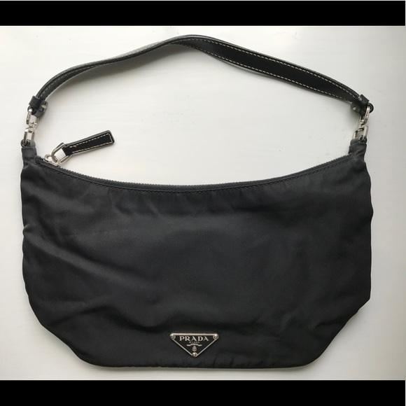 164eaf7e6e8ef9 Prada Black Tessuto Nylon Pochette - Small. M_5b2fadb94ab633b9ecc522ca
